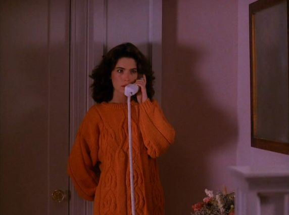 I had a sweater like this back in the Twin Peaks days. Wonder if I can get another...