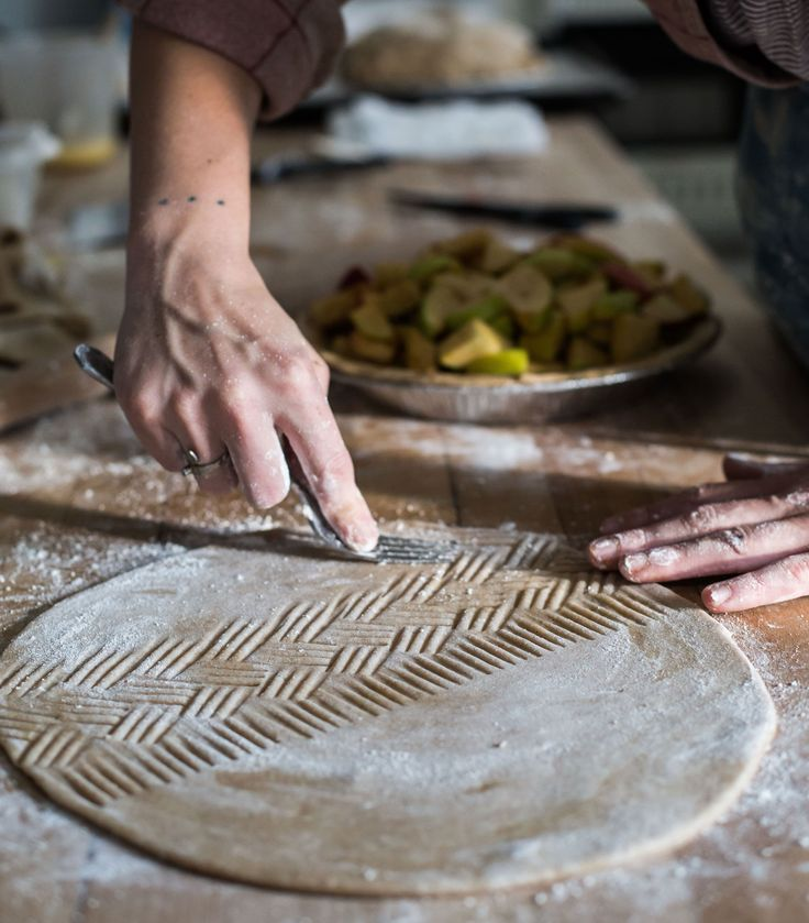 Tara Jensen doesn't have a book deal or a TV show or even a store. And that's all the more reason baking enthusiasts seek her out.