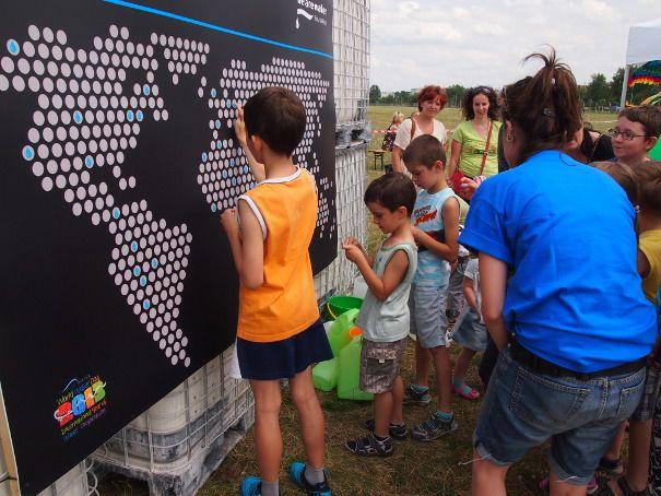 Piknik na warszawskim Bemowie, zorganizowany przez Polsko-Hiszpańską Izbę Gospodarczą we współpracy z ROCA i We Are Water Foundation.