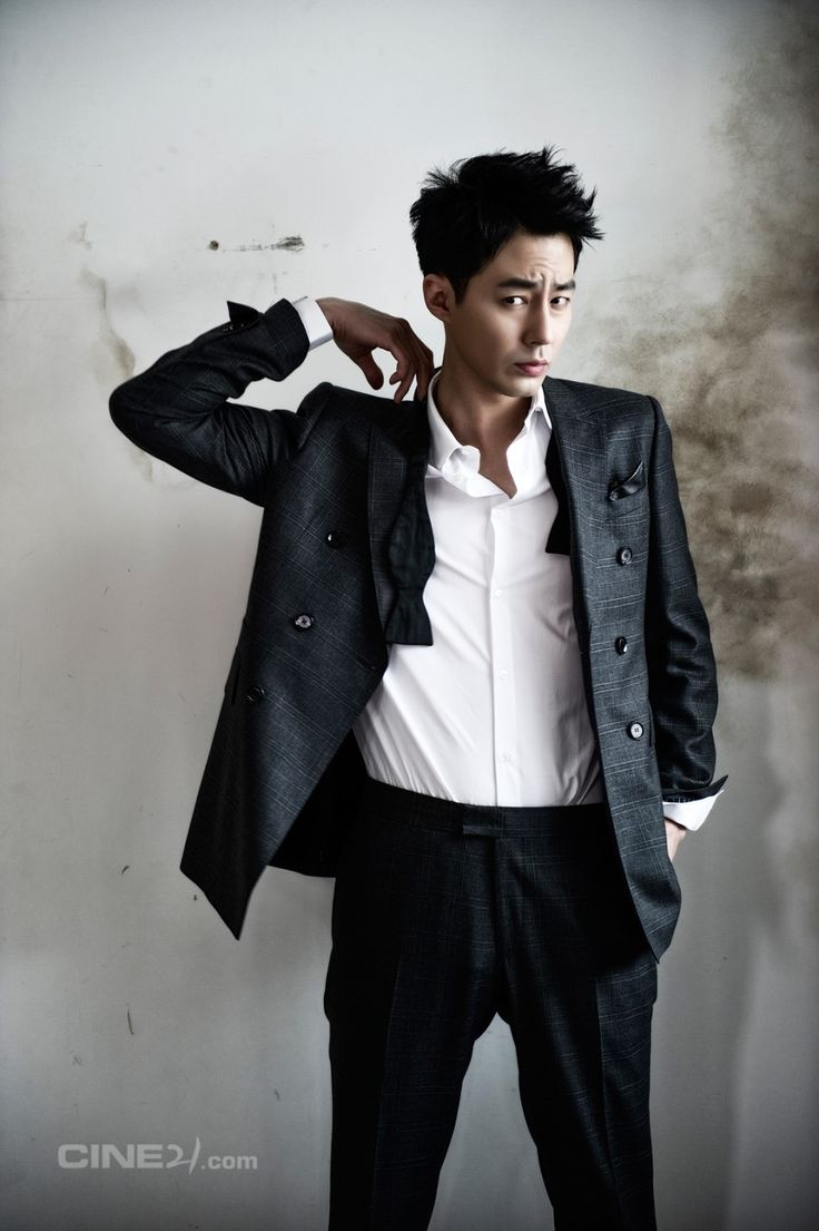 Jo In Sung - Cine21 Magazine
