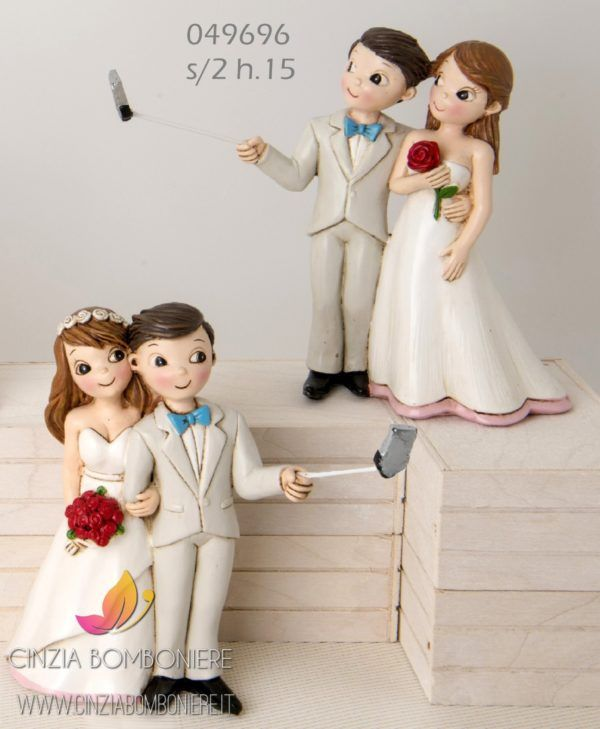 Bomboniere Simpatiche Matrimonio.Sposi Selfie Grandi Cb049696 Nel 2020 Spose Bomboniere E Bomboniera