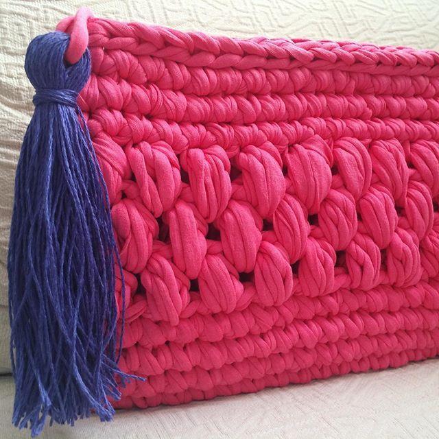 Una combinación muy actual #macadamiarepublic #trapillo #handbag #handmade #hechoamano #crochet #ganchillo