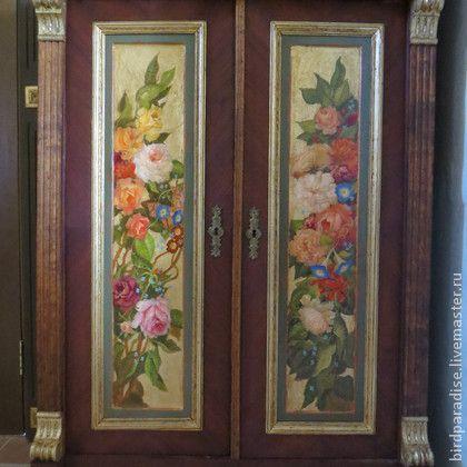 Комод антикварный реставрированный расписной.Роспись на дверцах.Мебель антикварная.