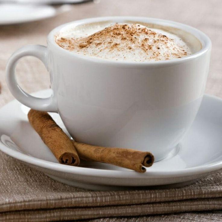 Nada como un chocolate o cafesito caliente para este frío mañanero. Feliz Ombligo de la semana a todos #frasedeldia #complementos