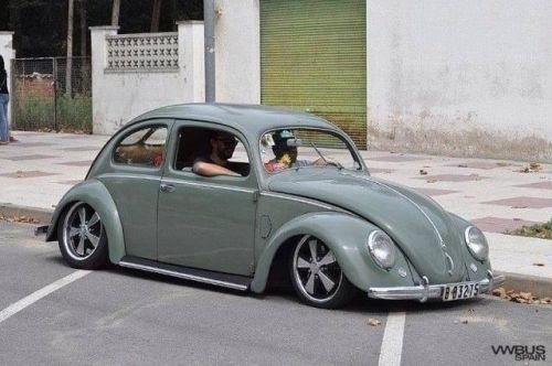 63 best vw bug images on pinterest vw beetles vw bugs for Garage volkswagen 92