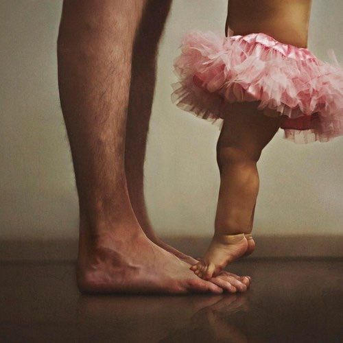 Image via We Heart It https://weheartit.com/entry/139793548/via/1886408 #daddy #littlegirl #familey