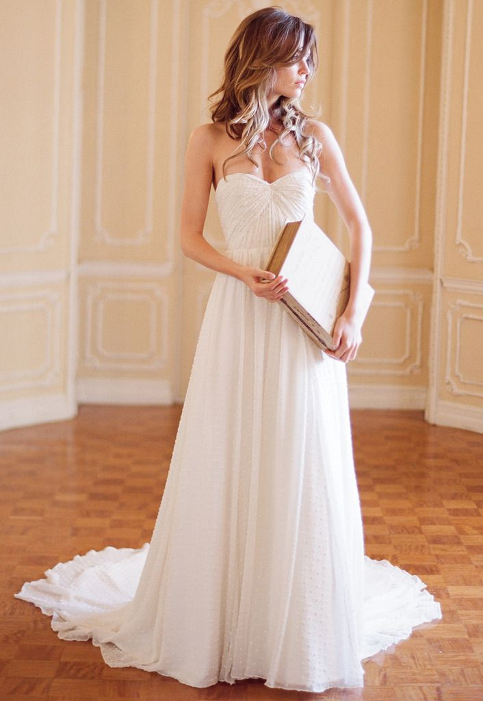 gorgeous. simple. sweetheart neckline. draped.