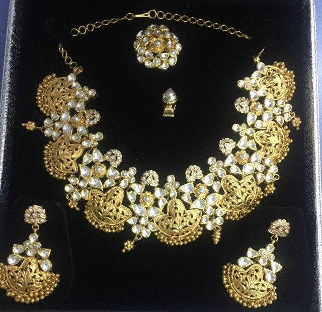 This traditionally made layout in 22kt. Gold never going to be out of fashion... on order basis, available at Jewels Tree, for more information mail at jaipur.pradeep@gmail.com