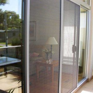 Best 25 magnetic screen door ideas on pinterest dog for Retractable insect screen door