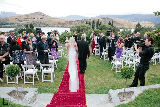 stoneridge wedding ceremony by Larsson Photography http://www.larsson.co.nz