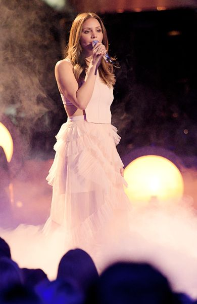 "Katharine McPhee Performs   ""Somewhere Over the Rainbow"" on American Idol on March 24, 2016"