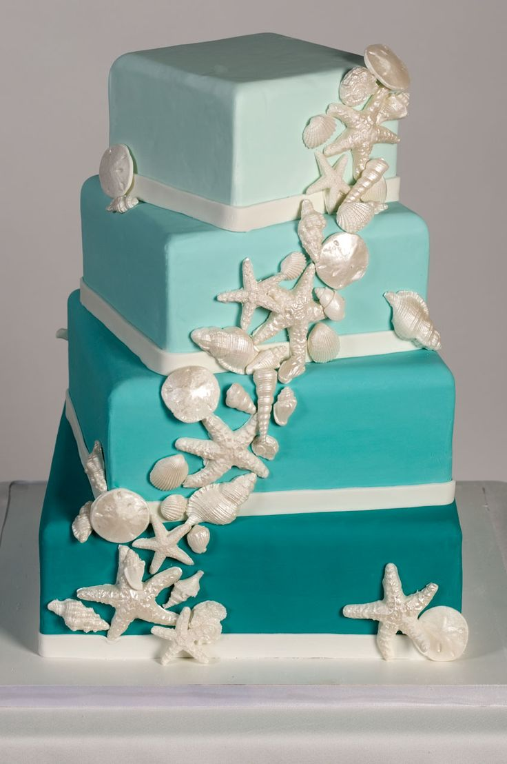 This display wedding cake is vailable for rent at www.rentalcakes.com