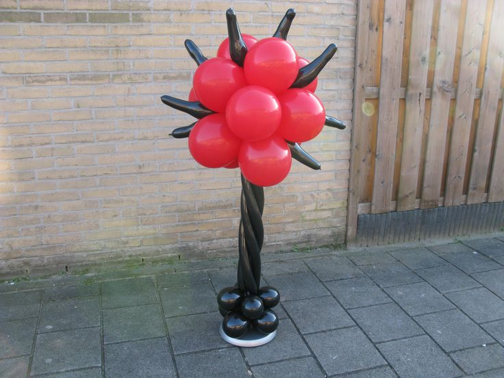 Voor Halloweenparty of Dinofeestje. www.verpaktelucht.nl