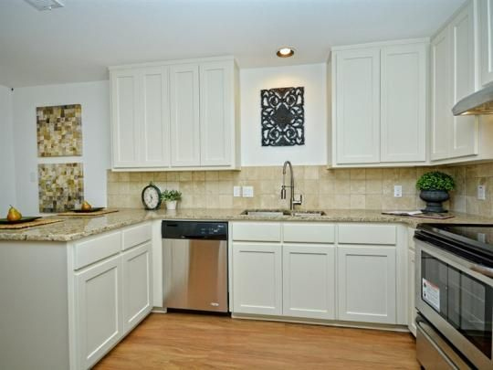 1804 Ash St. Georgetown, TX 78626   Granite Counters, Stainless Steel  Appliances And