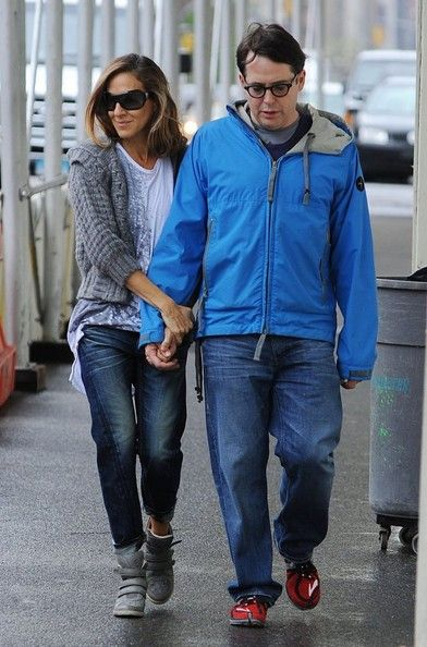 Sarah Jessica Parker Photos - Sarah Jessica Parker Holds Hands With Matthew Broderick - Zimbio