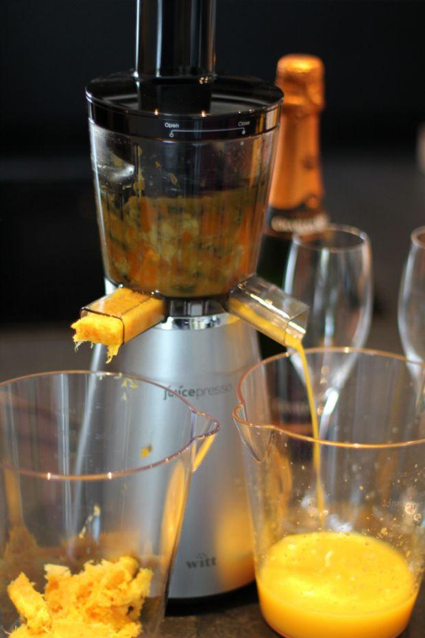 """Juicepresso gør det nemlig utrolig godt. Det er en lækker maskine som holder Witts kvalitetstro standard."" 5/6 star REVIEW by Familiefaren at www.gastromand.dk. Witt Juicepresso slow juicer from Witt"