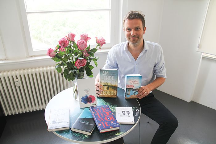 Wie werde ich BuchautorIn? Andreas Paschedag, Programmleiter im Berlin Verlag, erklärt's. Und gibt Lesetipps für diesen Sommer.