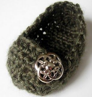 Crochet baby shoe...