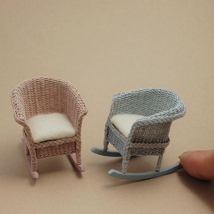 1/12scale childrens rocking chairs . . 小さなロッキングチェアを作りました 色はグレイッシュなピンクとブルー 糸を染めてから編んでいます . . #miniature #dollhouse #wicker #chair #children #kids #tiny #handmade #ミニチュア #編み物 #椅子 #子供 #ハンドメイド #アンティーク