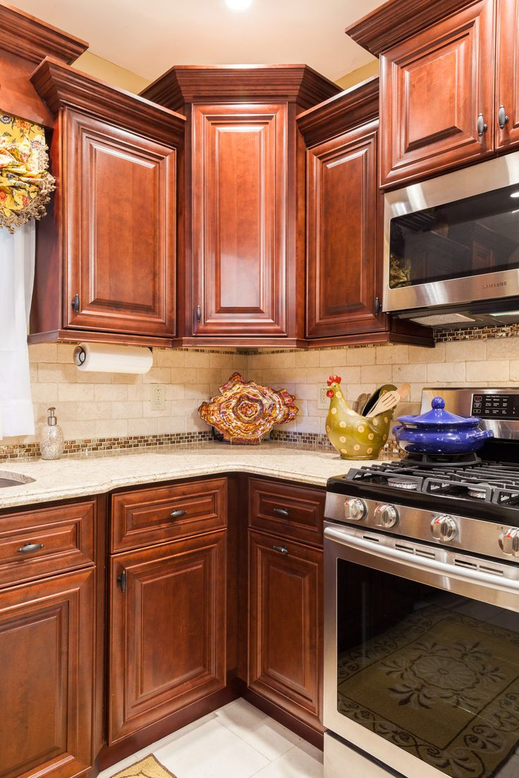 Mahogany Maple (With images) | Classic kitchen cabinets ...