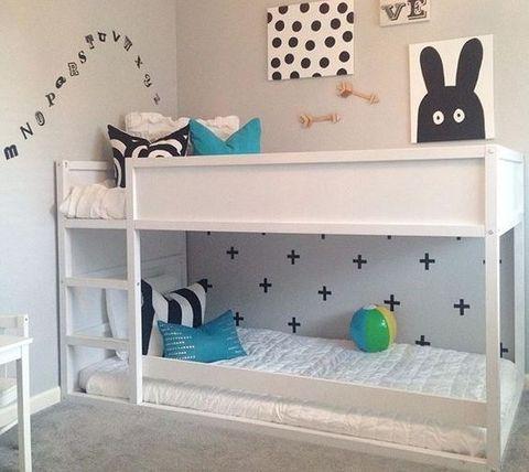 25 best ideas about montessori bed on pinterest toddler floor bed toddler bed and toddler. Black Bedroom Furniture Sets. Home Design Ideas