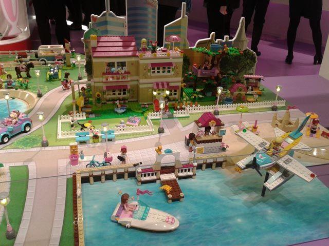 nuremberg toy fair lego friends heartlake city lego. Black Bedroom Furniture Sets. Home Design Ideas