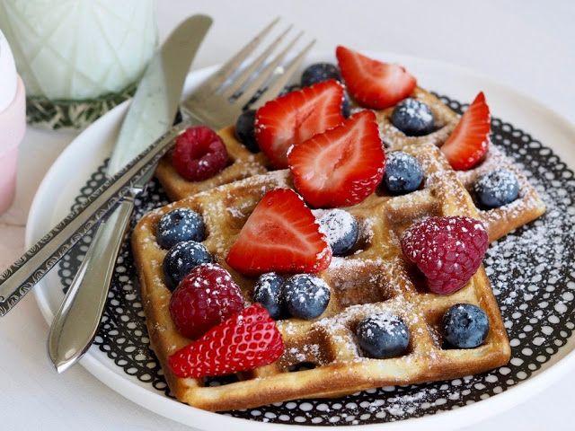 Sitruunajugurttivohvelit / lemon yogurt waffles by Makuja kotoa