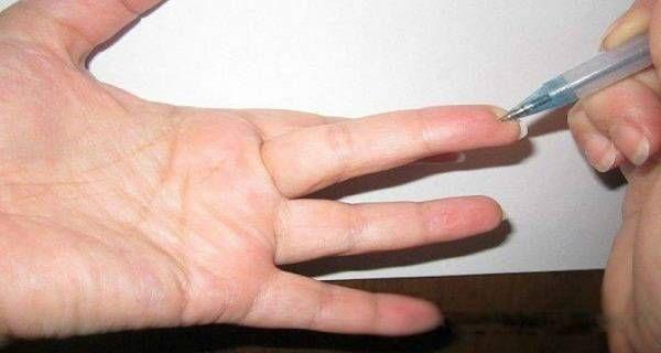 Ha ezt a különleges pontot megnyomod az ujjadon, azonnal lemegy a vérnyomásod! - Megelőzés - Test és Lélek - www.kiskegyed.hu
