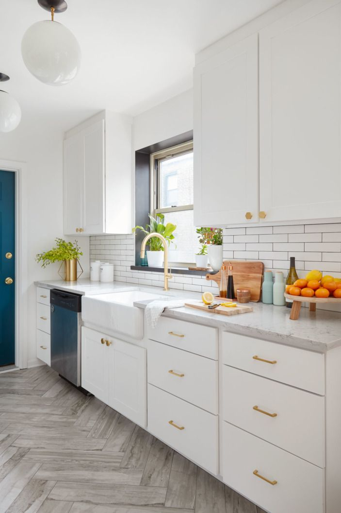 A chef 39 s kitchen for a chicago home cabinets chicago for Kitchen cabinets chicago