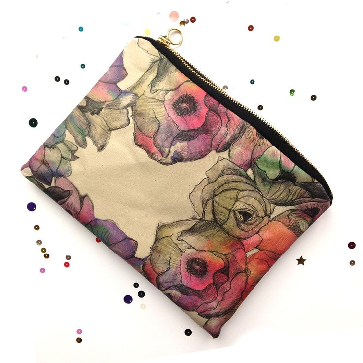 These beautiful Pretty Flower 100% cotton bags are hand crafted, printed on both sides and sewn in London.