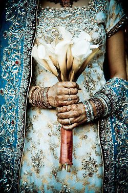 Honestly...amazing: Henna, Wedding Dressses, Blue, Calla Lilies, Indian Bridal Fashion, Indian Wedding Dresses, Bouquets, Flowers, Bride