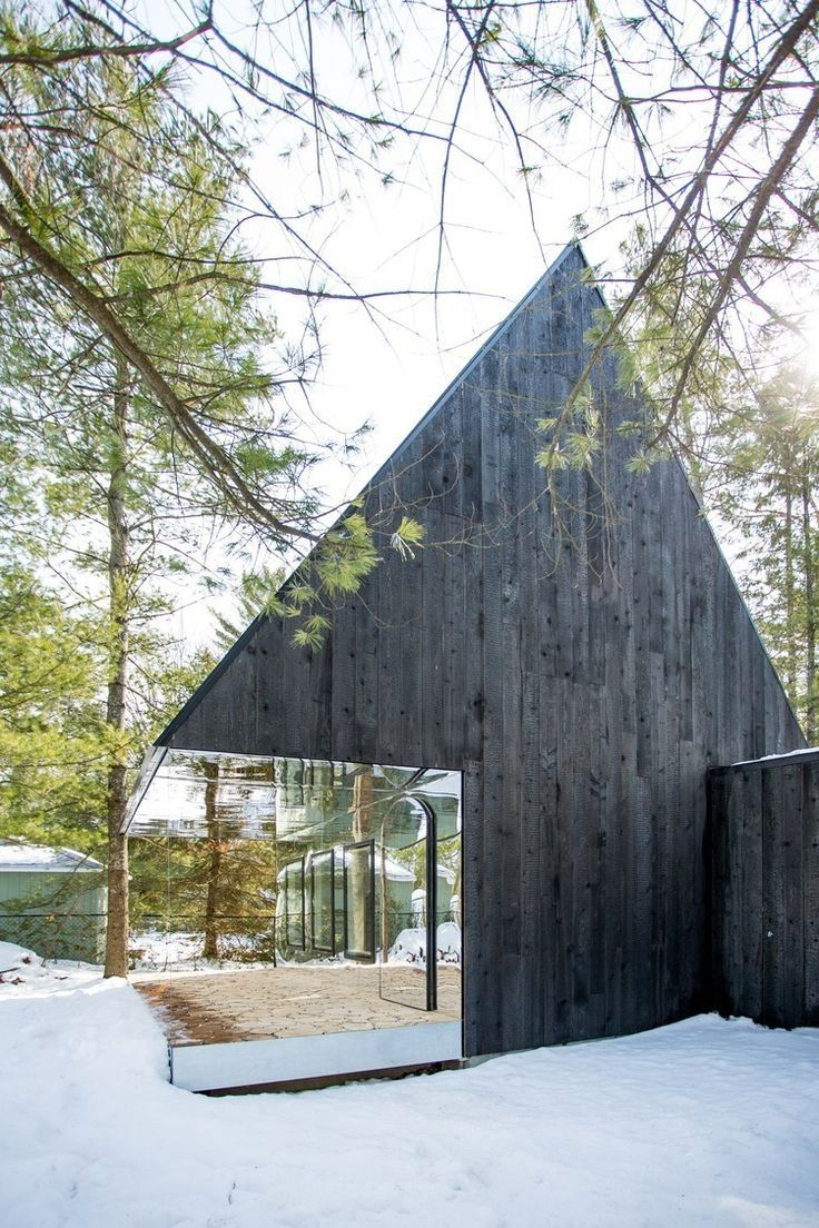 Front view luxury tropical house design 27 east sussex lane by ong - Lake Cottage Is A Reinterpretation Of Living In A Tree House Where Nature Is An Integral Part Of The Building In A Forest Of Birch And Spruce Trees Along