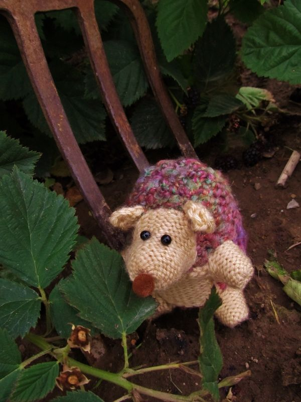 Loom Knit Hedgehog Tutorial