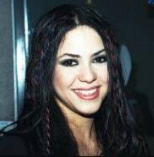 shakira 1998 | WRZUTA - Shakira i jej naturalnie czarne włosy- 1998r.