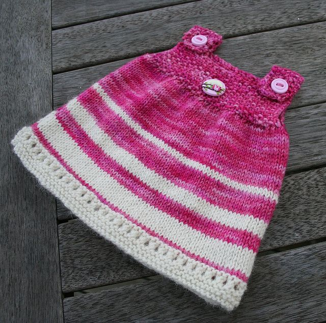 Knitting Patterns For Baby Tunics : 17 Best images about Knitting ~ baby sweaters (sleeveless) on Pinterest Rav...