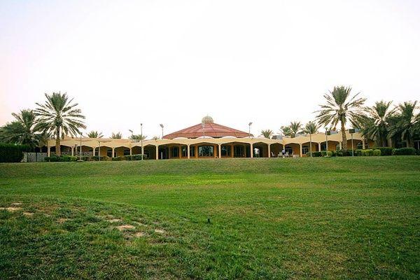 منتجع قاعات الزائر للمناسبات الإستراحات الرياض House Styles Mansions Villa