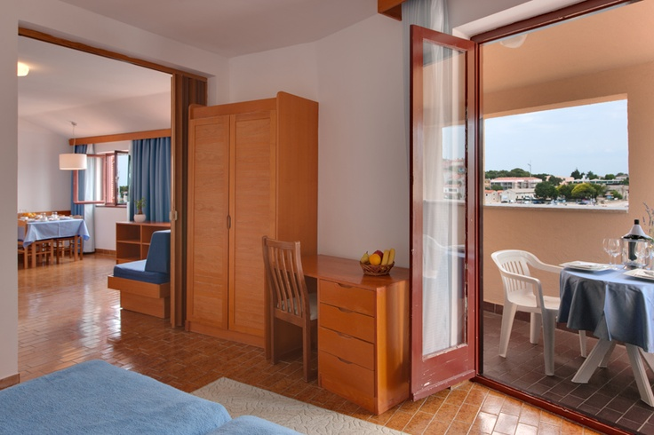 Riva Apartments are situated right on the Vrsar waterfront by the promenade. The balconies have a view of the old town and fishing boats in the port, thus providing a direct experience of the original atmosphere in the fishermen's town.   http://www.maistra.com/Accommodation/Resorts/Riva_Vrsar