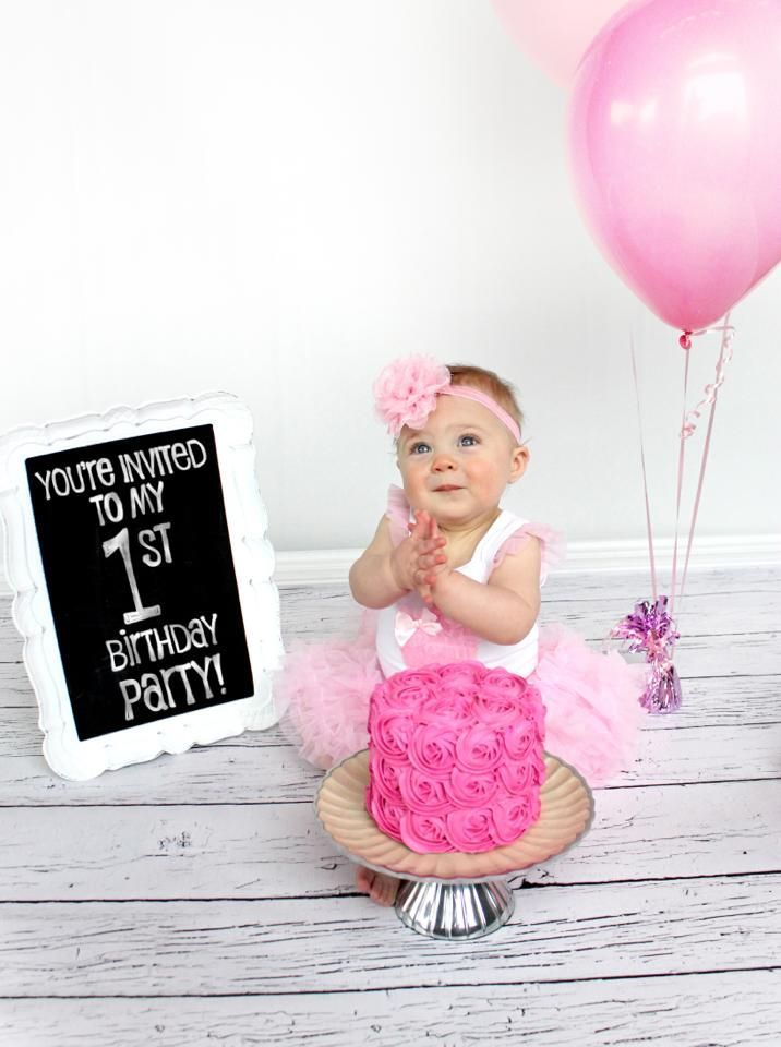 use 1st cake smash pictures for invitation
