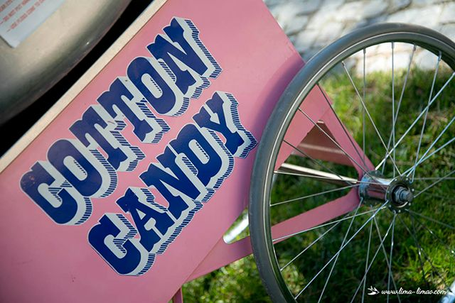 The coton candy cart.