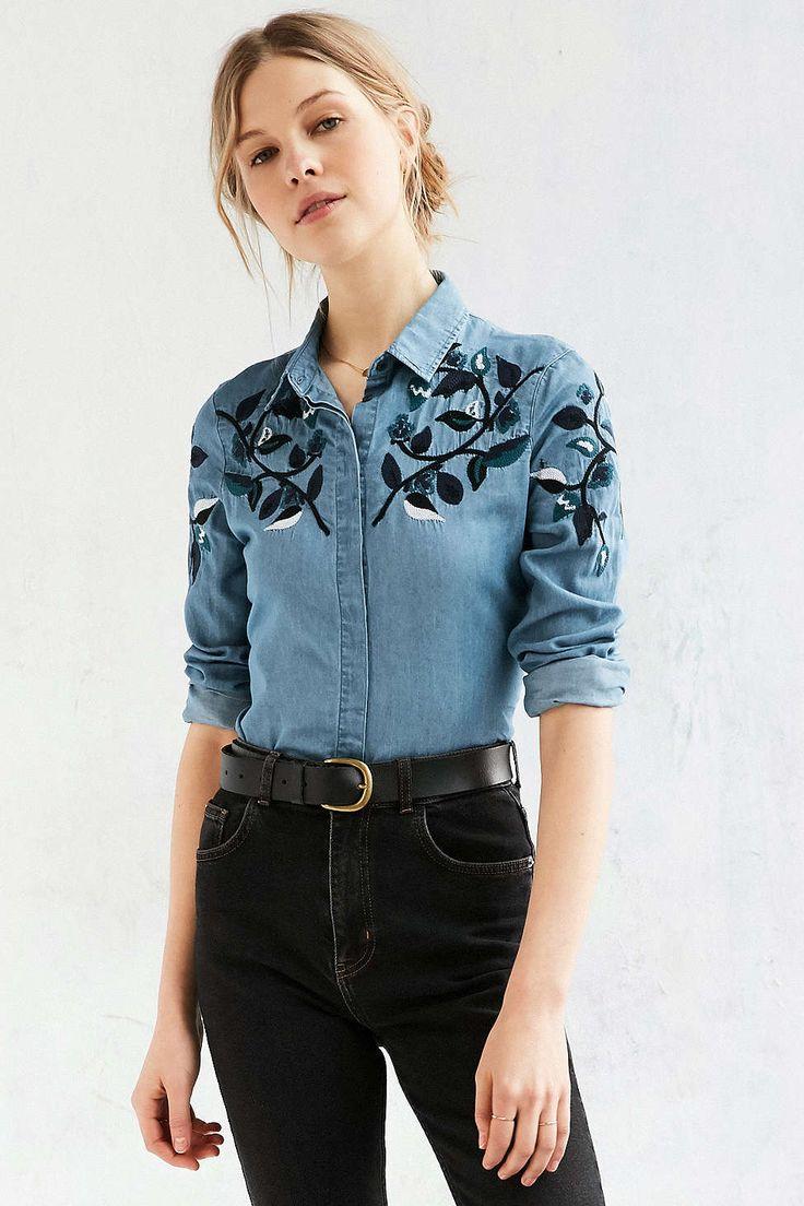 BDG Dakota Embroidered Western Button-Down Shirt