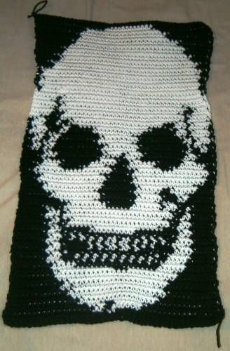 Tapestry crochet skull blanket.....I want to learn how to do flames with this stitch