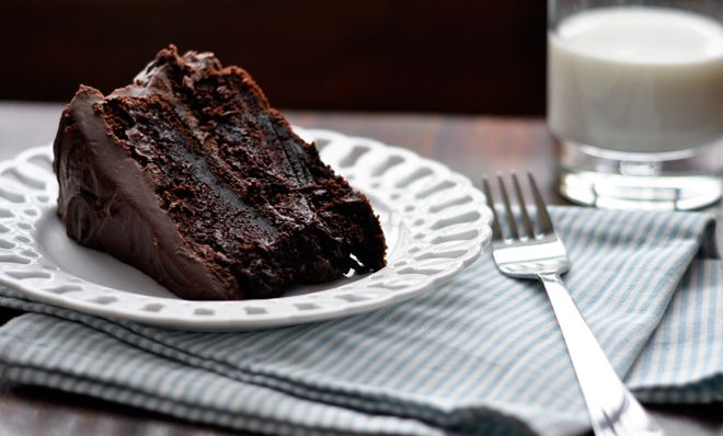 Chocolate cake.  Need I say more?: Moist Chocolates Cakes, Desserts, Fun Recipe, Deepli Chocolati, Sweet, Moist Chocolate Cakes, Food, Easiest Chocolates, Savory Recipe