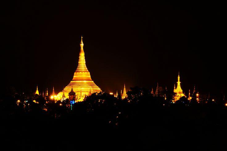 17/6/2013 21:55 <3only one night @ shwedagon burma with the gold light <3faithful.