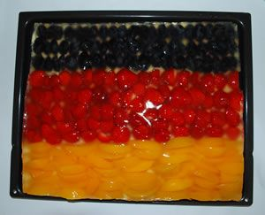 Deutscher Obstkuchen in schwarz-rot-gold