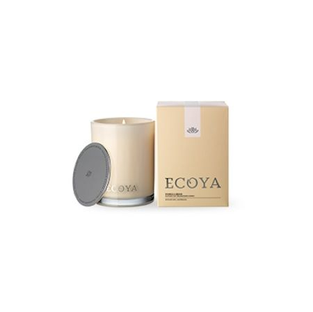 Ecoya Candle – Vanilla Bean. 400gm soy wax candle in madison jar  A velvety and rich, full-bodied vanilla bean extract is deliciously wrapped in creamy tones of butterscotch to create a rich, indulgent and luxurious fragrance.