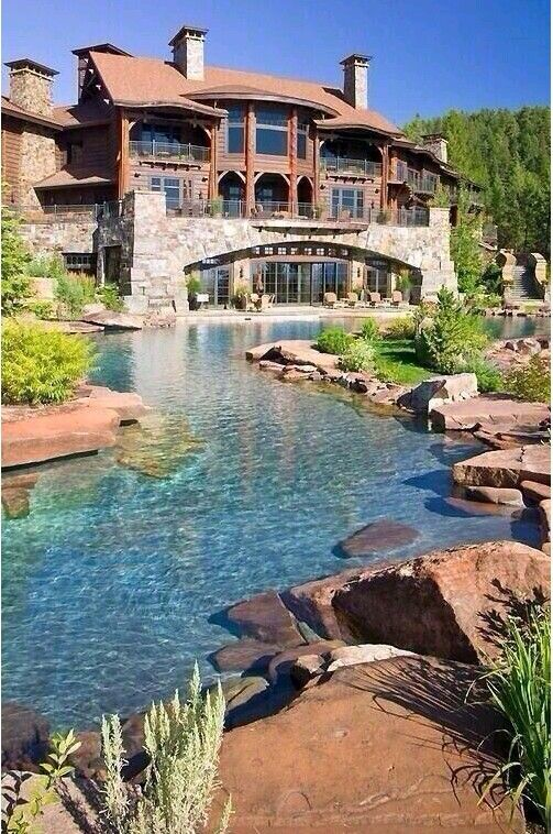 um would be nice lol, mainly love the natural looking pool/river