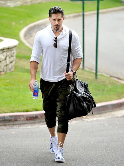 Star Tracks: Wednesday, August 26, 2015 | LONE WOLF | After a tough workout on Tuesday, Joe Manganiello heads back to his L.A. home.