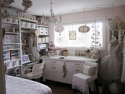 lovely studio: Dream Crafts Rooms, Studios Nests, Bedrooms Crafts, Sewing Studios, Creative Spaces, Crafts Spaces, Crafts Rooms Idea, Crafts Studios, Crafts Roomsidea