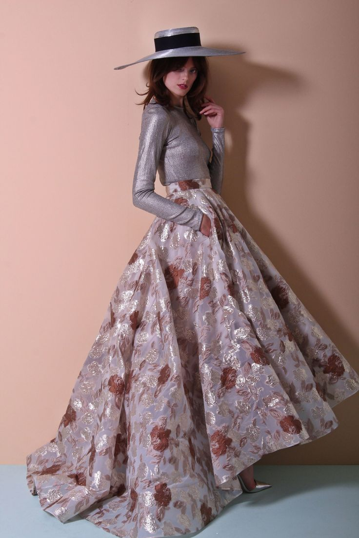 Christian Siriano Resort 2018 Collection Photos - Vogue