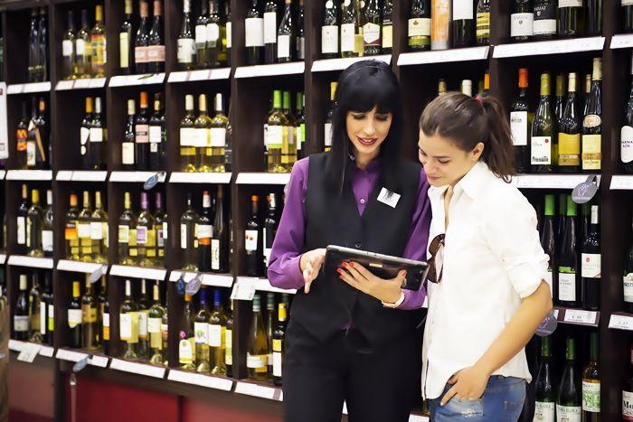 Bodega Santa Cecilia abrirá sus dos primeras franquicias en el barrio de salamanca de Madrid y en Pozuelo de Alarcón https://www.vinetur.com/2015020518100/bodega-santa-cecilia-abrira-sus-dos-primeras-franquicias-en-el-barrio-de-salamanca-de-madrid-y-en-pozuelo-de-alarcon.html